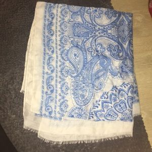2 BEAUTIFUL SCARVES- blue and brown